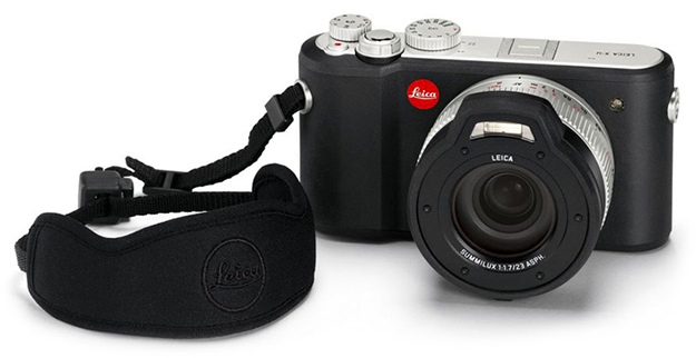 160126_Leica_X-U_floating_carrying_strap
