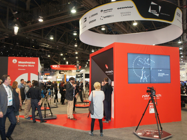 Manfrotto:カウンターバランスに窒素充填シリンダーを採用したヘッド「Manfrotto Nitrotech N8」を展示[NAB2017ブースレポート]